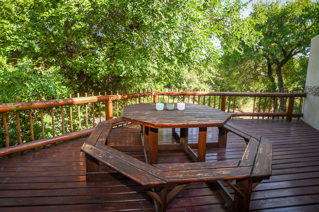 Accommodation at Leopards Leap Bush Lodge